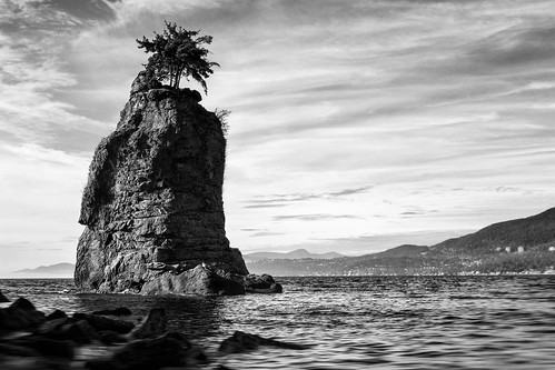 siwash siwashrock stanleypark vancouver landmark monolith natural nature rock sea seascape seashore tree water