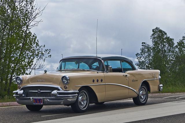 Buick Special Riviera Hardtop 1955 (1456)