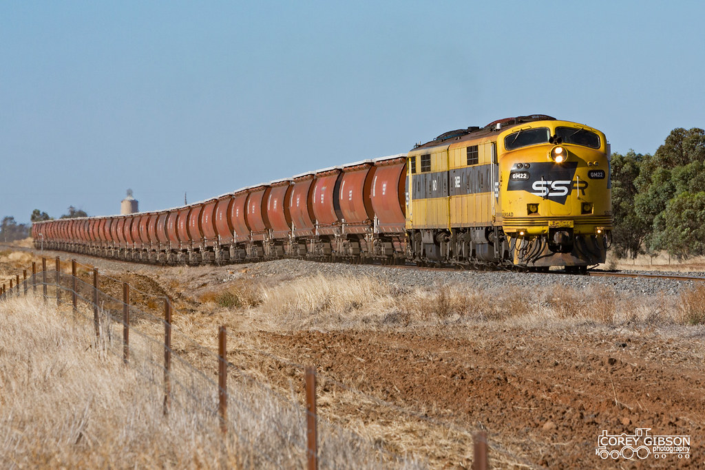 #7934V up SSR Grain with GM22 & GM10 from Warracknabeal heading back to Melbourne by Corey Gibson