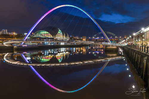 thomasheaton digitalab newcastle newcastlequayside england uk reflections water cityscape city night blue hour bluehour lights exhibition landscapephotographer