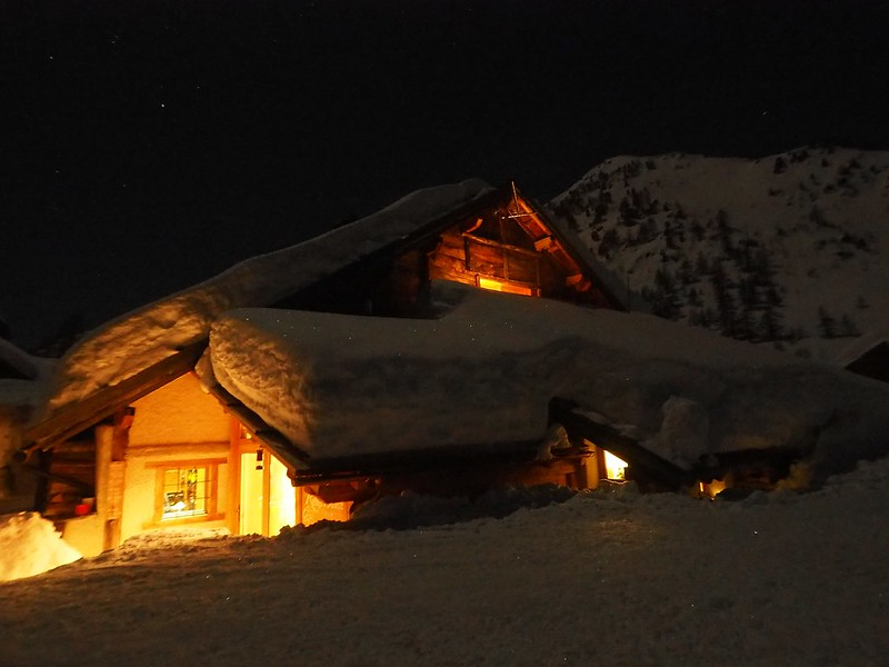 Buffère at night - The Buffère is typical of this area. Warm and comfortable and with hot showers!
