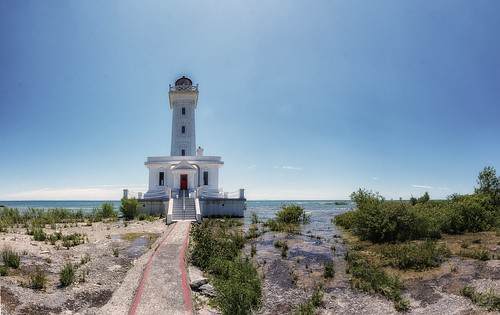lighthouse lakeerie