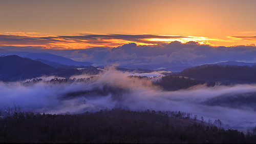 fog dawn sunrise clouds weather great smoky mountains national park tennessee