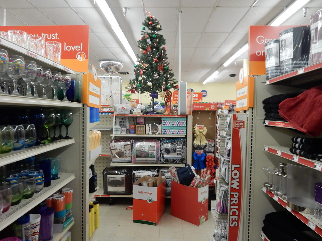 "Family Dollar Former Rexall Drug "" anche Plaza"" Dodge"