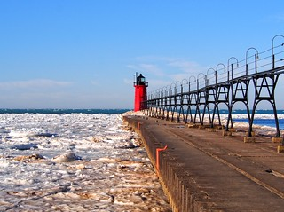 South Haven Pierhead Lighthouse (1903)