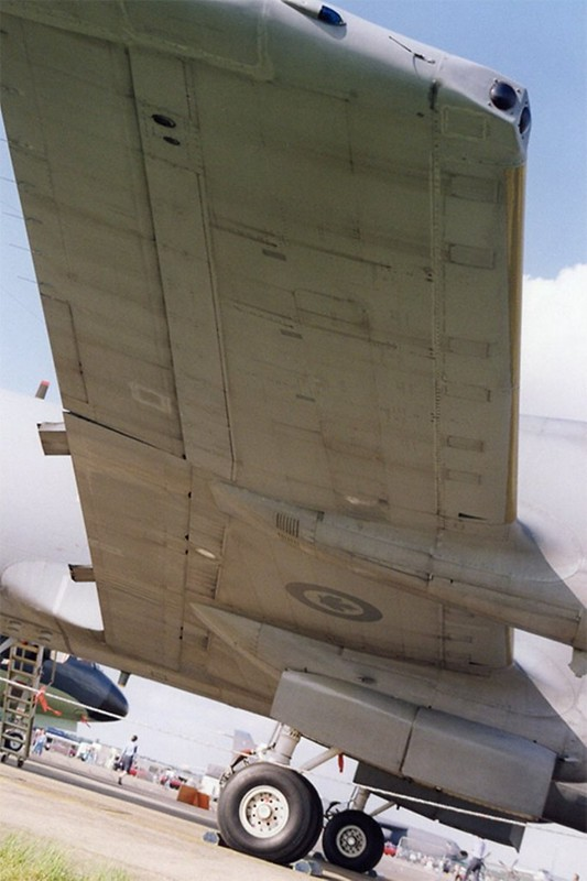 Lockheed CP-140 Aurora 9