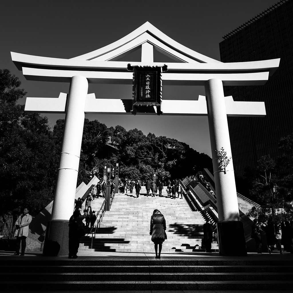 Japan black and white street photography by giuseppe milo