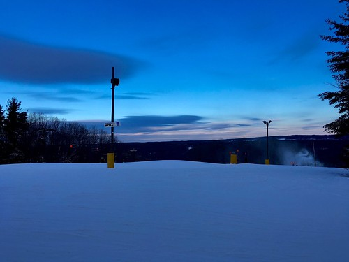 ski skiing chairlift snow winter kissingbridge evening glenwood newyork