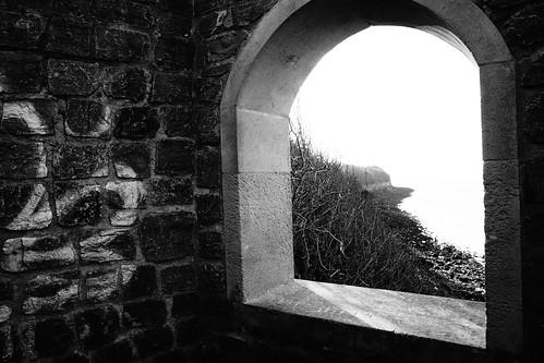 clevedon northsomerset england uk gb greatbritain sony a6000 outdoors blackandwhite blackwhite bw monochrome seaside coast window view room arch building ruin