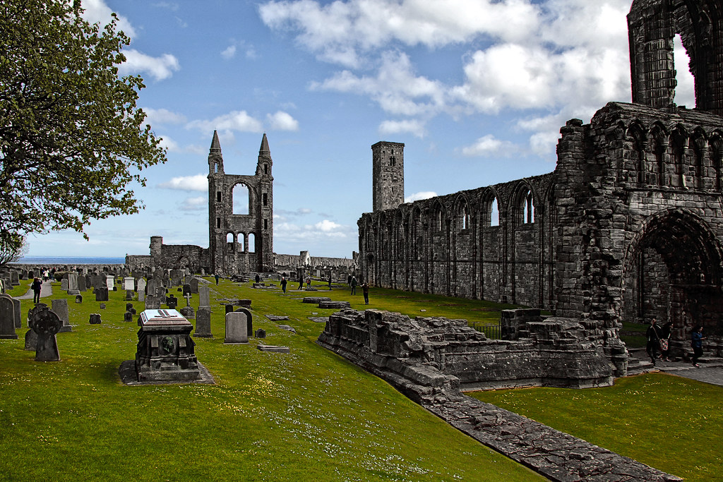 RUINAS DE LA CATEDRAL DE ST. ANDREWS   -   RUINS OF THE CATHEDRAL OF ST. ANDREWS