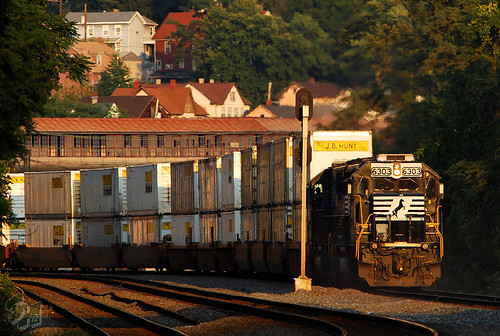 norfolksouthern ns emd sd50 sd40e stacktrain doublestack mainline pittsburghline johnstown pennsylvania