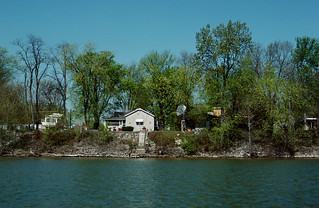 88d202: Ohio River mile 596 right bank (10 of 25) - houses at Utica, Indiana
