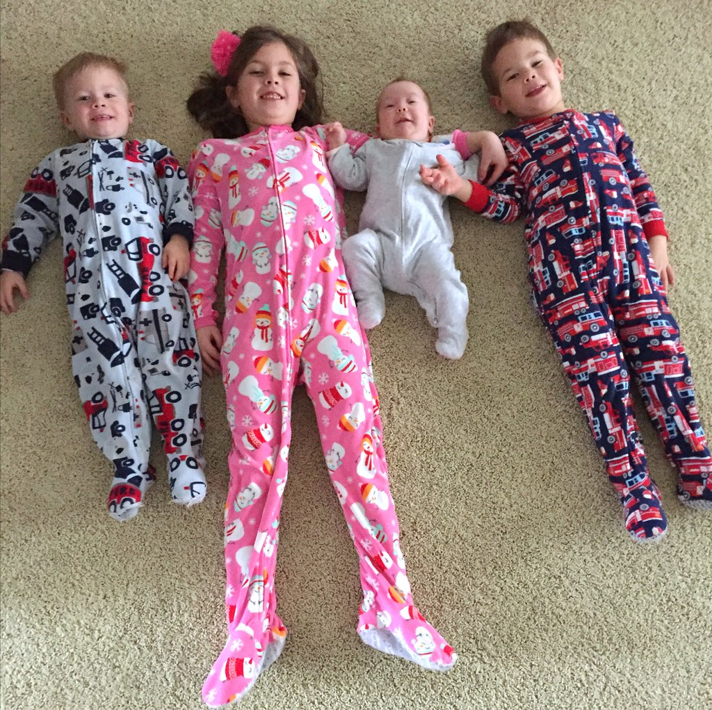 little kiddos in pjs