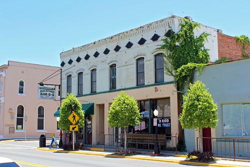 businessdistrict architecture commercialbuilding commercialblock restaurant newberry florida
