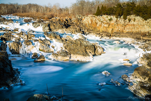 america blue blur cascades fairfaxcounty famousplace greatfalls green ice longexposure nps nationalpark nature northamerica places potomac river rocks touristattraction traveldestination travelandtourism trees usa unitedstates virginia water winter snow waterfall