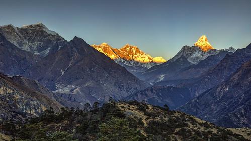 altitude amadablam climbing everest himalaya hoteleverestview khumbu mountains namchebazaar nepal peak rock snow syangboche summit sunset trekking view