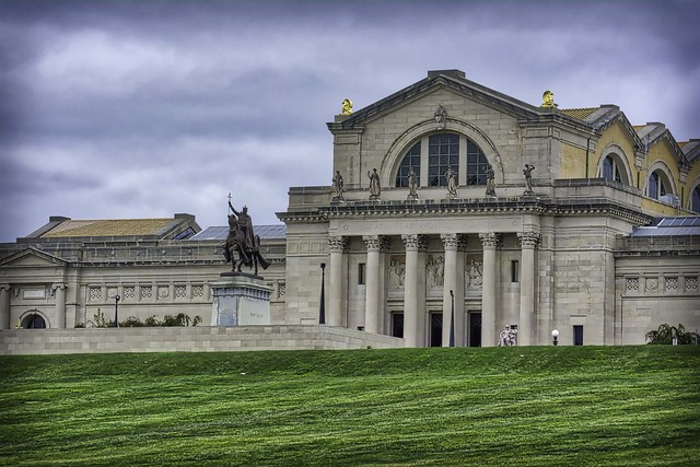 King Louis the IX in front of the St. Louis Art Museum