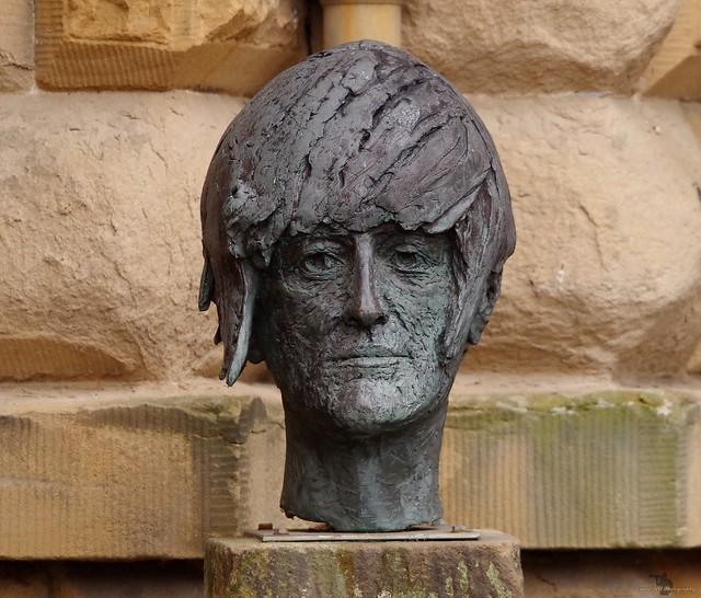 chatsworth house head sculpture