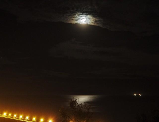QC230171 SBAU Bacara outreach Venoco pier moon clouds crop shad-14 high-100 exp-4 clar19