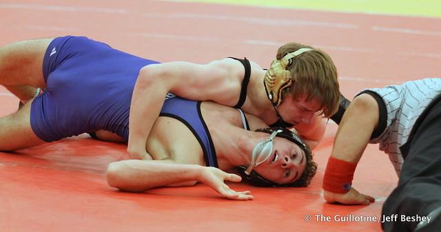 138 Semifinal - Sam Stuhl (Ellsworth) 13-1 won in sudden victory - 1 over Brady Gross (Apple Valley) 17-3 (SV-1 7-5) - 171216BJF0218