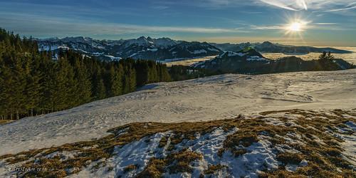 laberra gruyère préalpes fribourgoies fribourg montagnes mountains suisse swiss neige snow winter hiver sunset coucherdesoleil sony alpha a7r2 a7rii 1635
