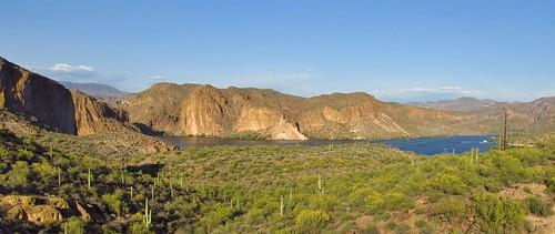 tortillaflat arizona roadtrip canyonlake lake desert desertscenery view viewpoint landscape scenery