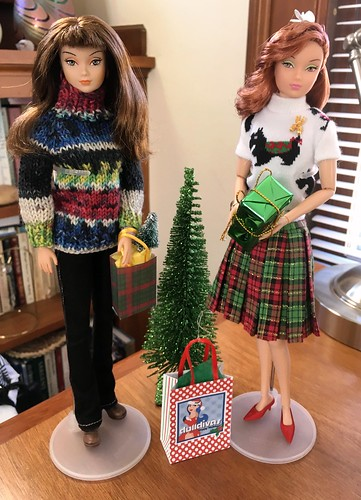 Two pretty Susie's dressed for the Holidays.