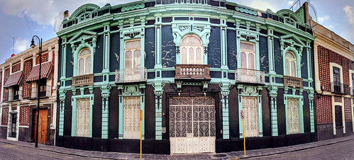 The streets of Puebla, Mexico are filled with gorgeous houses like this | by Second-Half Travels