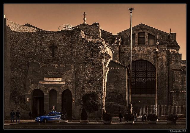 Roma_Santa Maria degli Angeli e dei Martiri_built inside the ruined frigidarium of the Roman Baths of Diocletian_ original design by Michelangelo Buonarroti_Piazza della Repubblica_Italia