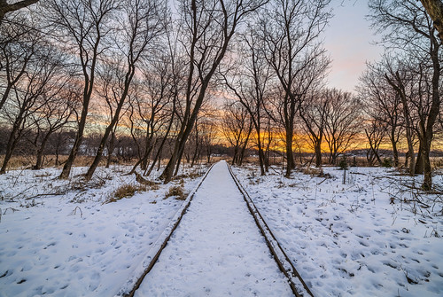 minnetonka minnesota kinsel park snow cold sunrise hdr rokinon 14mm 24 sp landscape photography trees blue sky pretty calm frozen winter canon eos 5ds 5dsr walkway path nature