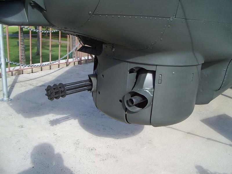 Bell AH-1S Cobra 3