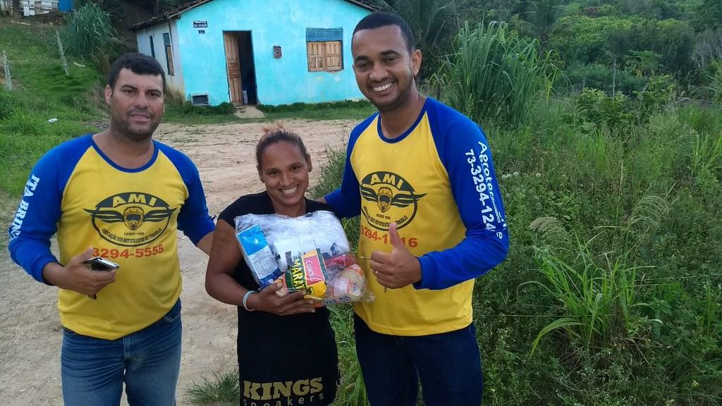 campanha de doação de alimentos dos motaxistas de itamaraju (6)