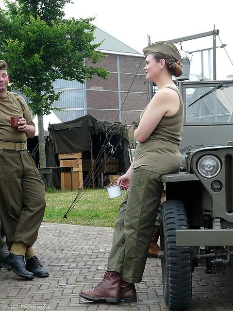 Tea-time in the 2e WW