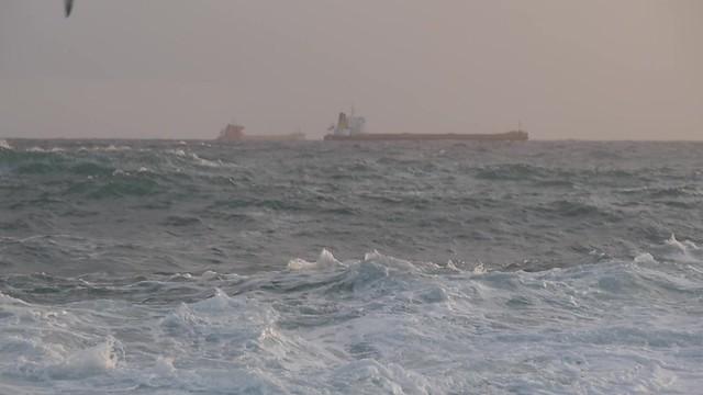 Raugh sea (free footage)