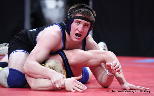 Semifinal - Cade King (Owatonna) 44-0 won by major decision over TJ Pottinger (Hastings) 44-7 (MD 11-3). 180303AJF0545