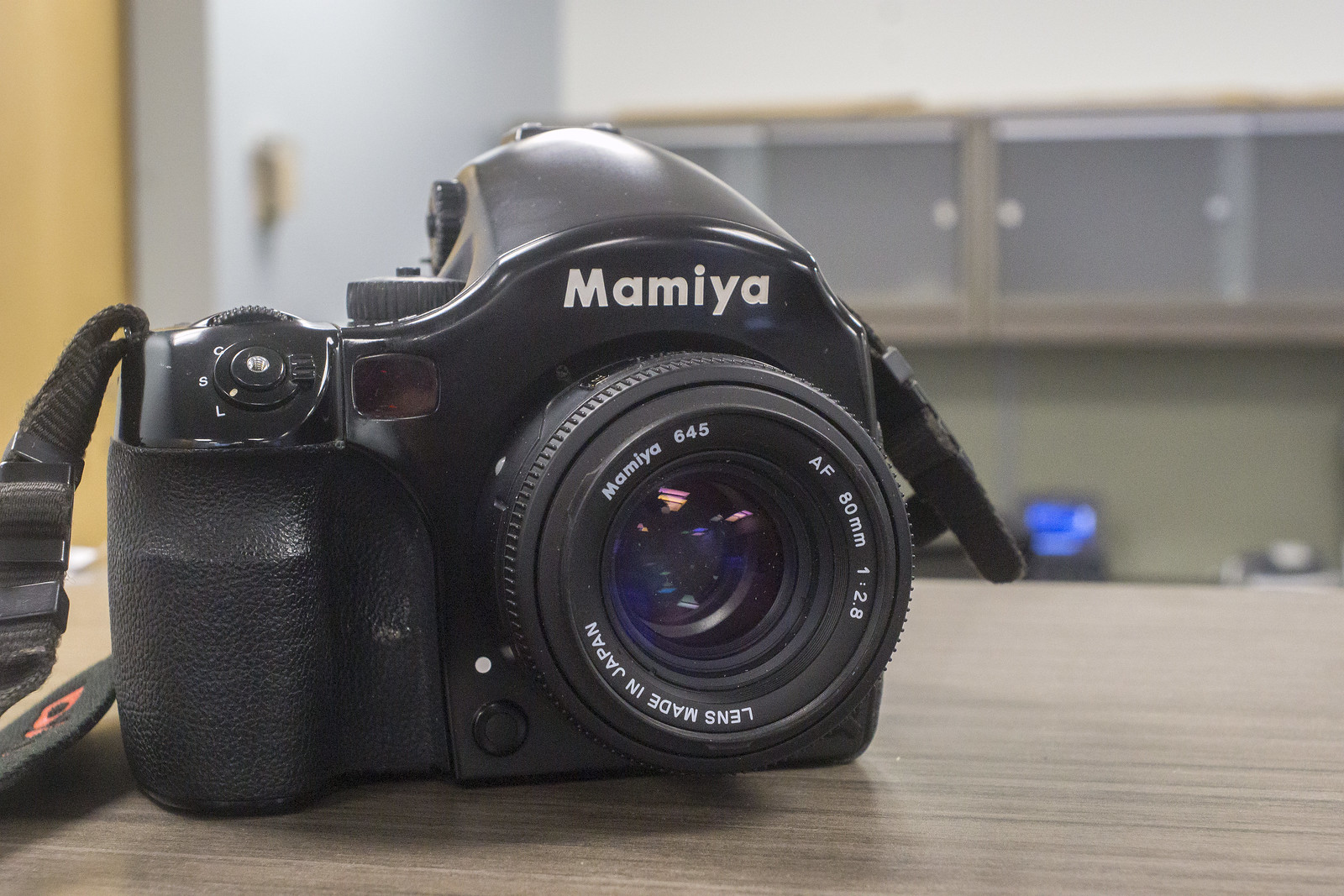 Camera Review Blog No. 82 - Mamiya 645 AF-D