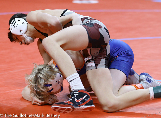 106A Semifinal - Charley Elwood (Medford) 26-4 won by fall over Carter Meiners (LPGE-Browerville Wolves) 39-8 (Fall 1:17) - 180303amk0002