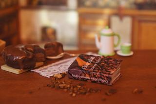 Chocolat by by Joanne Harris | by GreenEyes87)