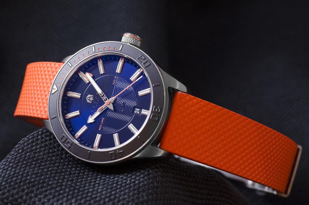 Akrone : des montres, tout simplement 28279389689_85185f0fca_b