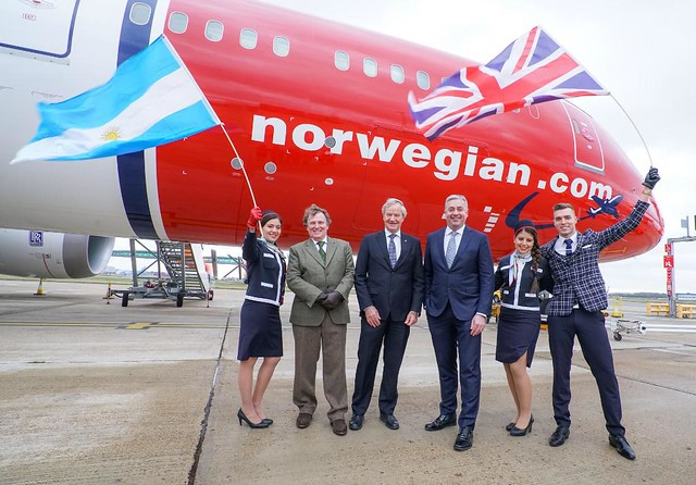 Norwegian-vuelo-inaugural-Londres-Buenos-Aires-14FEB2018 (1)
