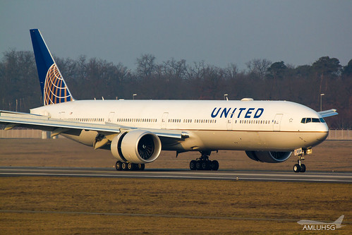 United Airlines - B773 - N2534U (1) | by amluhfivegolf