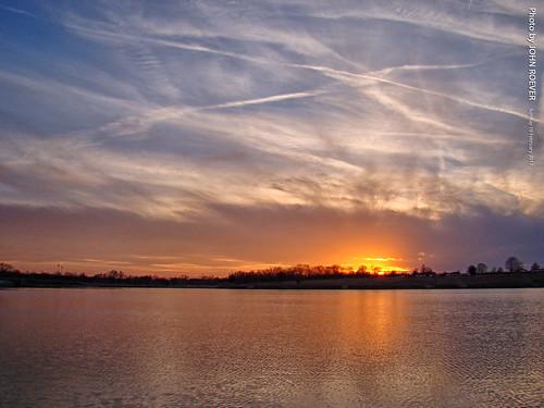 kansas trip roadtrip 2017 february february2017 sunset endofroadtrip johnsoncounty heritagepark lake usa explore inexplore