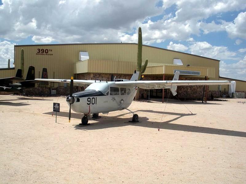 Cessna O-2A Skymaster 2
