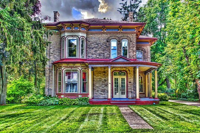Waterloo Ontario ~ Canada ~ Italianate Architecture