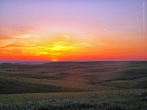 wabaunseecounty kansas usa landscape prairie flinthills sunset aftersunset evening may 2017 may2017 scenic landscapephoto landscapephotograph landscapephotography hills skylineroad alma