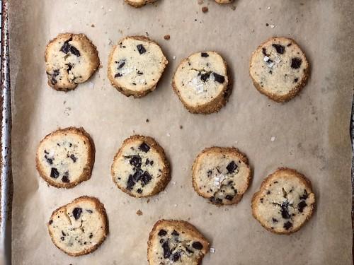 alison roman's salted butter chocolate chunk cookies | by sassyradish