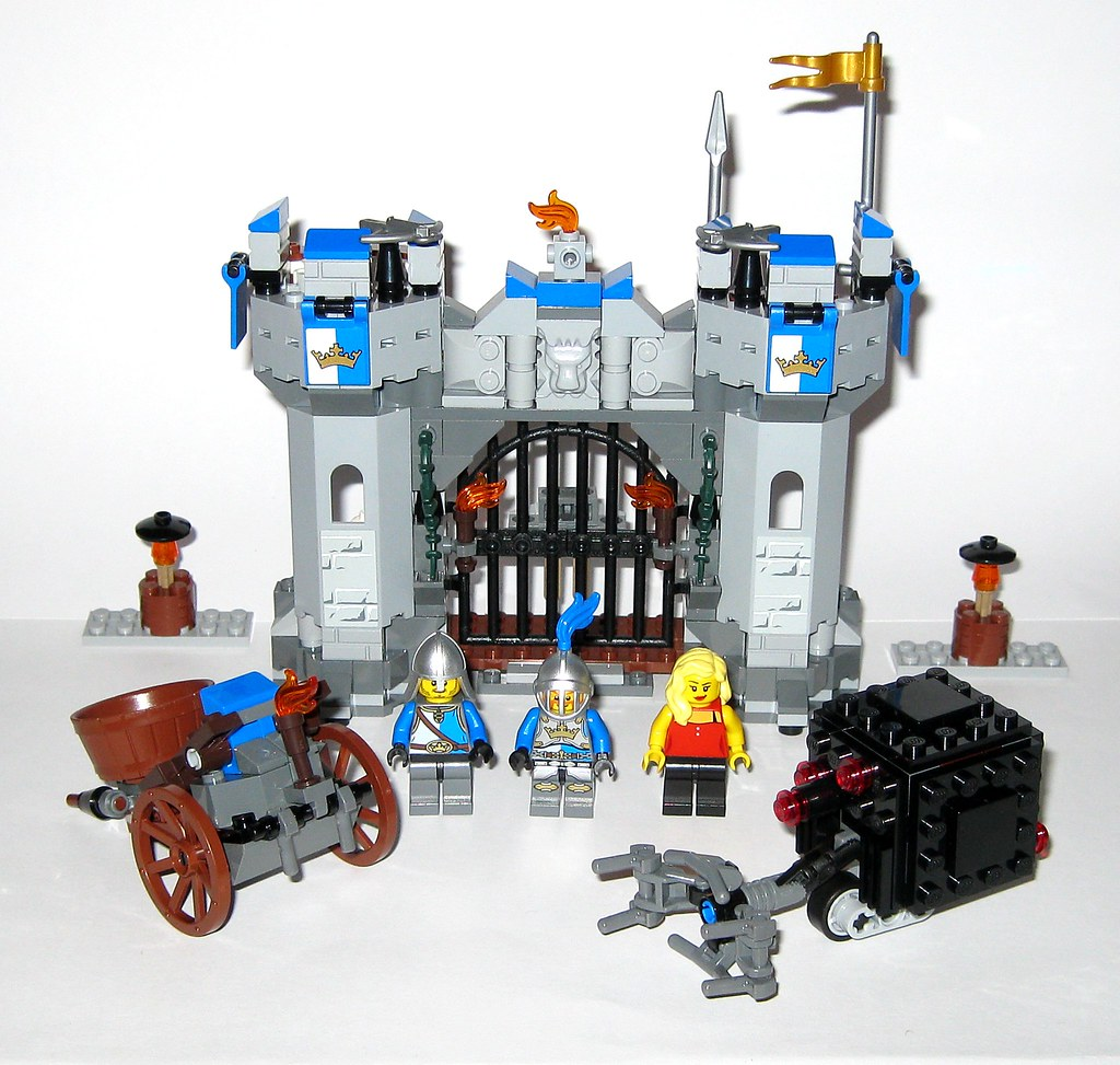 Lego 70806 The Lego Movie Castle Cavalry 2014 C Tjparkside Flickr