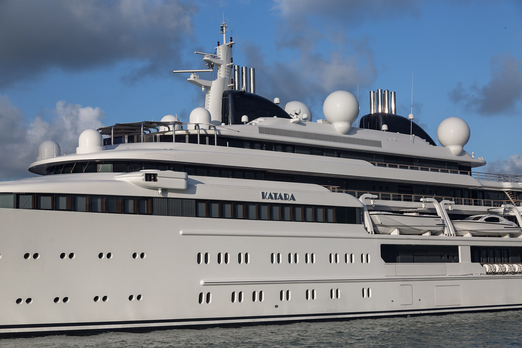 M Y Katara Miami Super Yacht Katara Built By Lurssen 408 Flickr