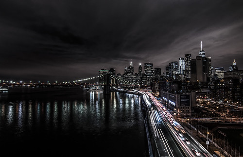 city downtown from Manhattan bridge