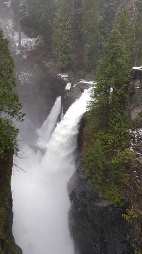 waterfall river elkfalls campbellriver bc toyota rav4 snow winter trail park capitalregionaldistrict canon 600d galaxynote5 johnhartdam